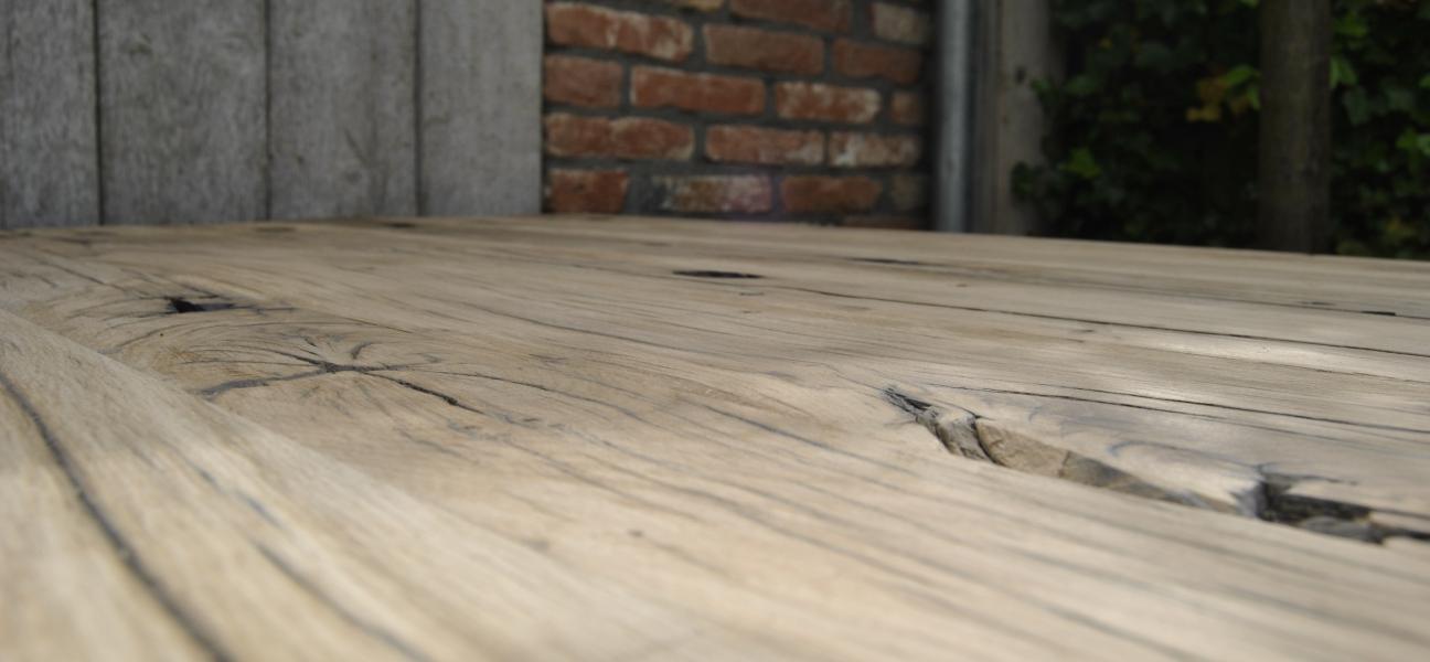 Voorbeeld houtstructuur bij planken van geschaafde oude wagondelen